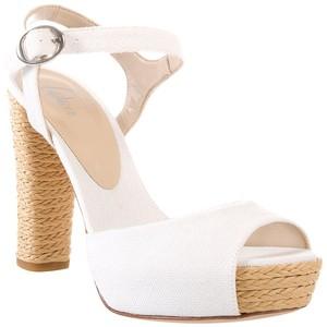 Белые туфли и босоножки - с чем носить