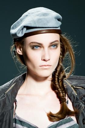 Зачіски з косичок фото