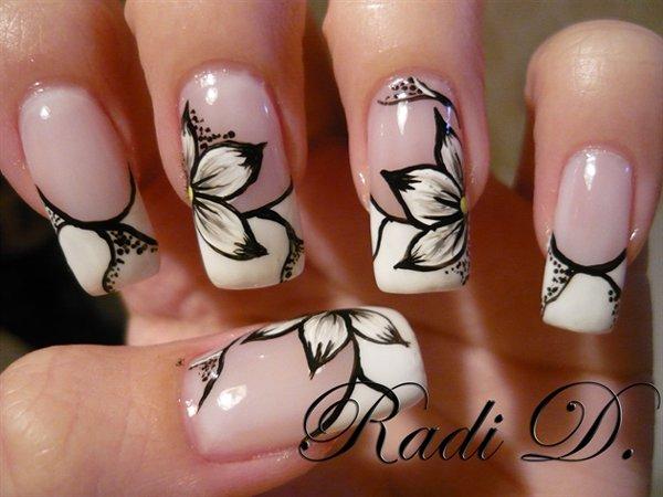 Рисунок цветка ногтях фото