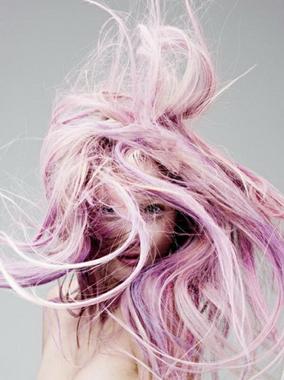 Розовые волосы смело модно дерзко