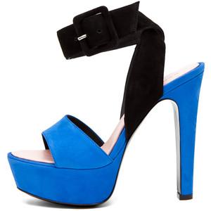 Туфли на каблуке 2012