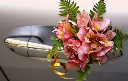 Как украсить свадебную машину - 20 идей - Фото: http://ona-znaet.ru/publ/39-1-0-1116
