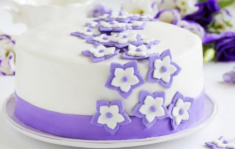 Как украсить торт в домашних условиях? Фото-идеи