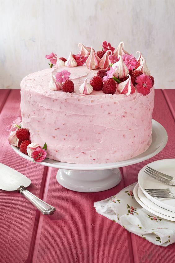 Розовый торт фото