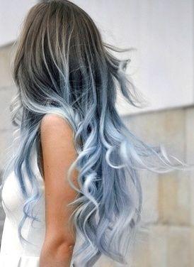 Голубые волосы
