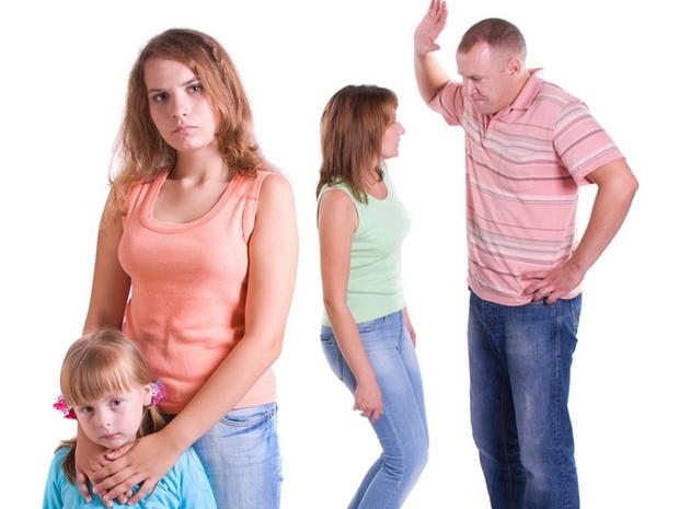 муж хочет забрать ребенка при разводе что делать