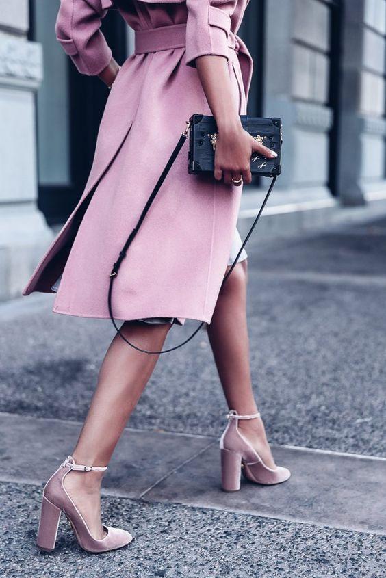 фиолетовые босоножки с чем носить фото пазл